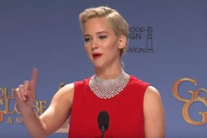 jennifer lawrence reporter golden globes